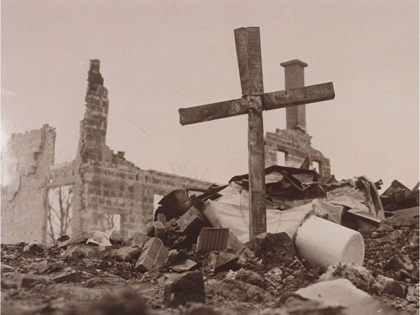 1956 plane crash at Grey Nun Convent