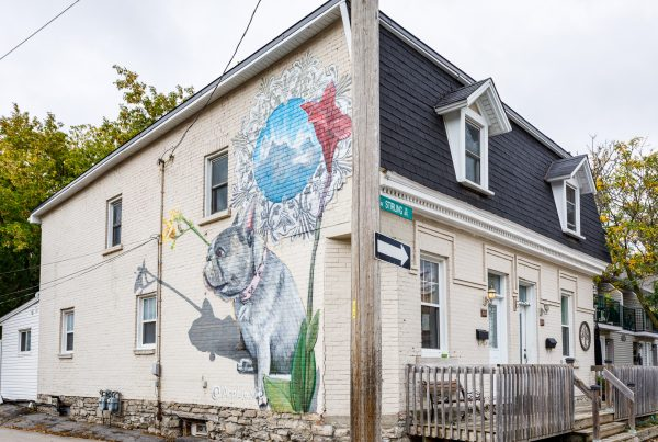 Mural on 118 Stirling Ave